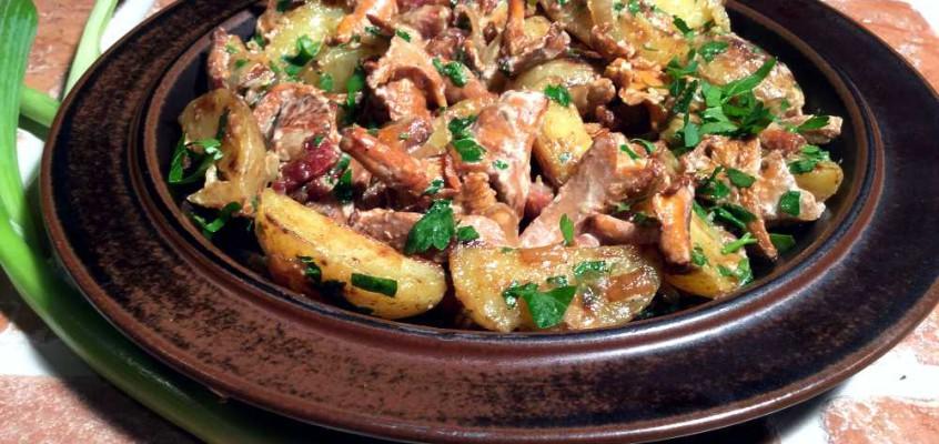 Polske kantareller med poteter og bacon