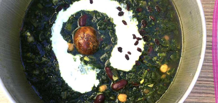 Selvplukk: Persisk brenneslesuppe med urter og bønner